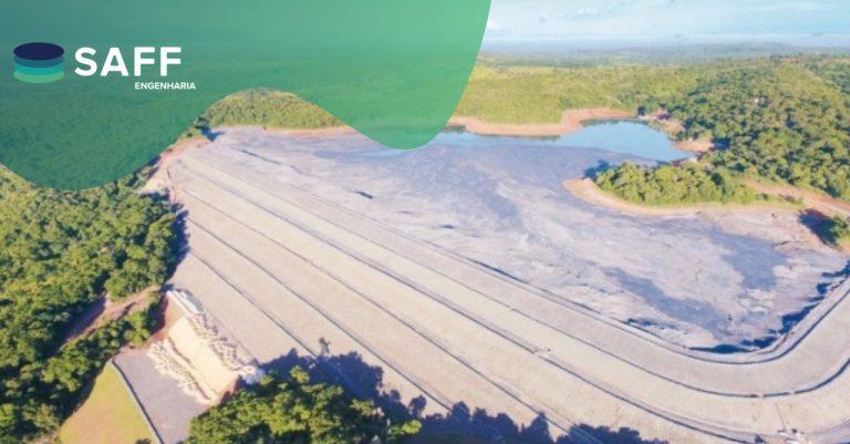 Fotografia de uma barragem de rejeito