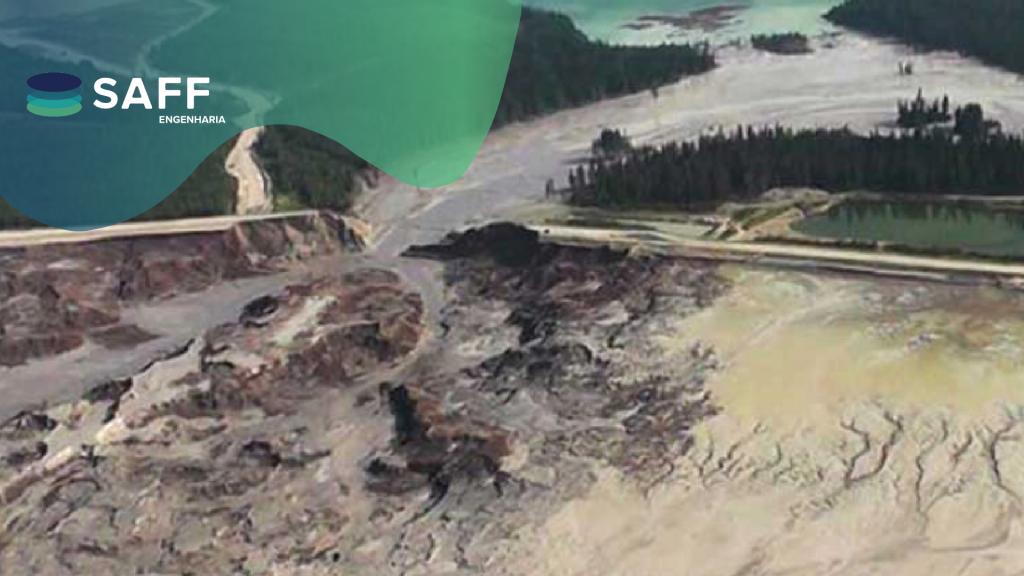 Fotografia de um rompimento de barragem de rejeitos