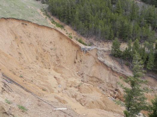 Fotografia da ruptura da Pilha de Estéril Alder Gulch