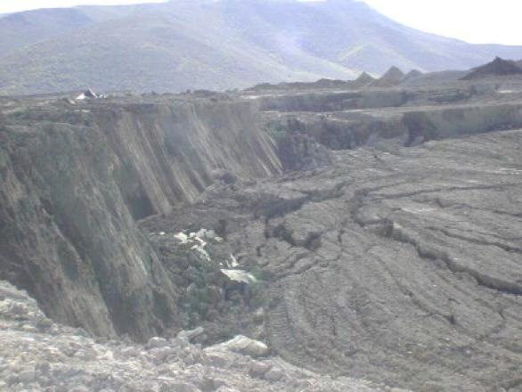 Fotografia da ruptura da Pilha de Rejeitos da Hayden Hill Gold Mine